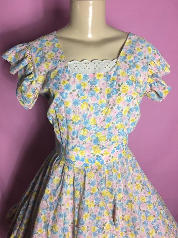 Vintage 50s Floral Novelty Full Circle Skirt Squaw Dress