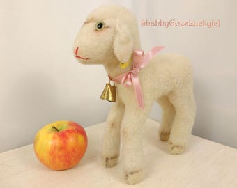 Steiff lamb 9 inches, German vintage 1959 - 64 made with Steiff button, label 6522,04 original bell, old Easter lamb