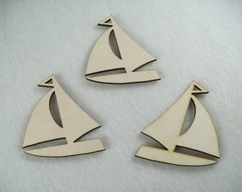 3 Sailing Boats / Wood / 8 x 6,5 cm (13-0002E)