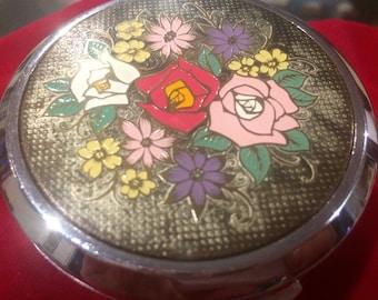 Vintage floral compact