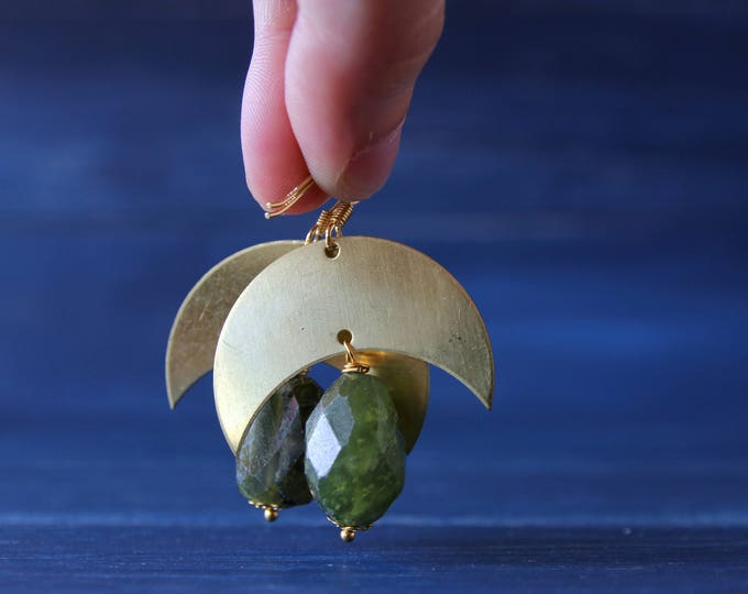 Peridot and brass earrings