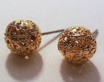 Stud Earrings Golden Tone Metal Balls Vintage Costume Jewelry Women's Fashion Accessories Casual Classic Style