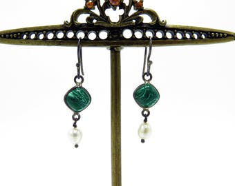 Vintage Silver Malachite and Fresh Water Pearl Earrings