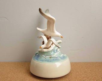 "Vintage 1981 Otagiri Japan Seagulls Beach Ocean Waves ""Misty"" Music Box"