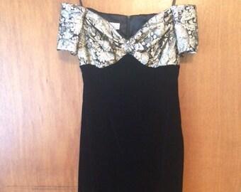 Vintage Women's Scott McClintock Gold Metallic Black Velvet Short Dress 14 Off Shoulder