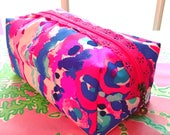 Handmade Lilly Pulitzer 'Shell Out' Lace Zipper Boxy Pouch (small) - Perfect for cosmetics, accessories, bridesmaid & big/little gifts!