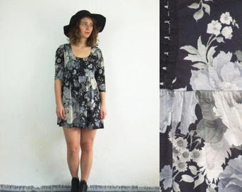 ON SALE 90's vintage women's black flower  patterned boho mini dress