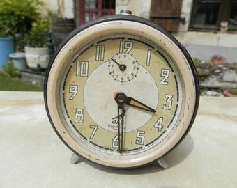 French Vintage  Jaz alarm clock 1950's brown and cream in working order.