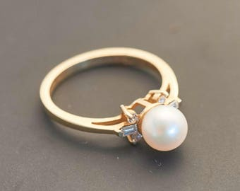 14K Yellow Gold Pearl Ring with 6 Diamonds - Pearl 6.5 mm, 0.06 Carats
