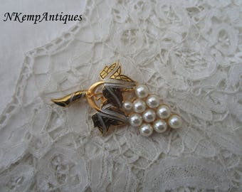 Vintage damascene brooch