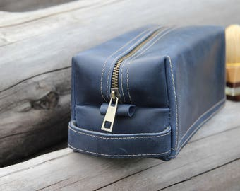 Personalized Groomsman Gift/ Waxed Blue Leather Kit / Men's shaving bag / Leather men's toiletry bag / Free Personalization