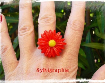 Red Daisy ring