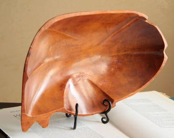 Vintage large monkey wood bowl / light color wooden serving dish plate / mixing bowl