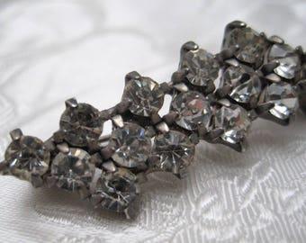 Vintage 1950s Silvertone & Diamante Geometric Bar Brooch KITSCH SPARKLE