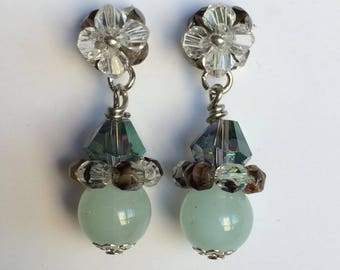 Crystal earring. Aros en cristal. Trendy.  Casual.  Preppy.  Different Colors.