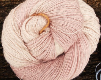 Baby ALPACA, Silk, CASHMERE, Silver, Laceweight Lace super-soft  100 gms 800 mts Mollycoddle Yarns, hand dyed indie dyer Shawl,stellina