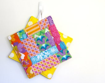 Pot Holders, Quilted Potholders, 2 x fabric potholders, Kitchen Potholders, Oven Mitts, Floral Pot Holders, Polka dots on Yellow