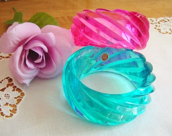 Vintage Large Pink or Turquoise Transparent Lucite Plastic Swirl Bangle West Germany Retro Lucite Bracelet Mod German Bracelet