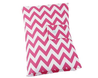 "Nappy pouch // diaper pouch // Diaper bag ""Chevron"" pink/white"