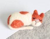 Cat Brooch Needle Felting Kit – Needle Felted Animal - Felting Craft Kit – craft kit gift – felted cat kit – craft kit for adults - felt cat
