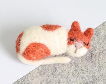Cat Brooch Needle Felting Kit – Needle Felted Animal - Felting Craft Kit – craft kit gift – felted cat kit – craft kit for adults - felt cat