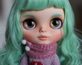 Blythe Custom Doll, Mint hair, OOAK Customized by MissDrumu, costumized eye chips and pullrings, adopt doll