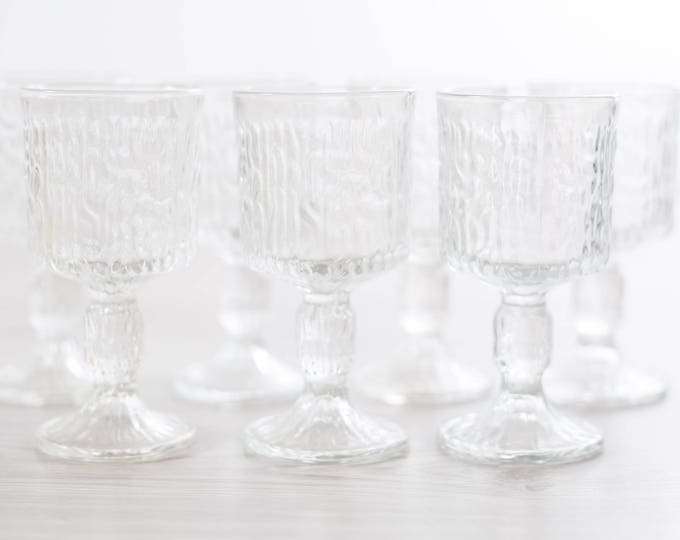 Vintage Icicle Glass Goblets / Set of 7 Textured Scandinavian Finnish Style Finland Cocktail Wine Glasses / Mid-Century Modern Stemware