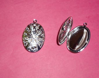 1 silver oval Locket that opens! 40mm