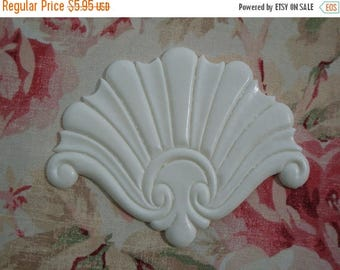 On Sale10% Shabby & Chic Shell Center Furniture Applique