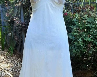 Sale Vintage Vanity Fair slip off white/ white nylon with lace overlay size 34 TT