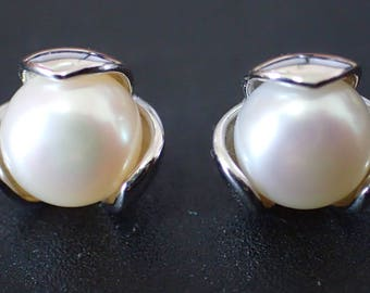 925 Sterling Silver Freshwater Button Pearl Lotus Earring
