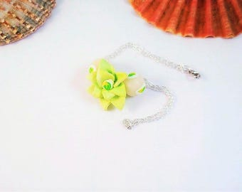 Green flower in Fimo with translucent Beads Bracelet
