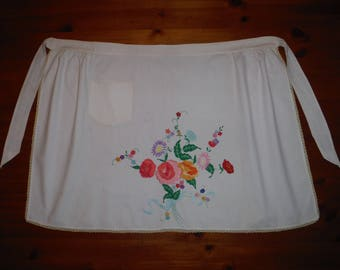 Very Large Embroidered Floral Apron - Vintage 1950's Embroidery Flowers Cotton Apron - Vintage Mid Century Kitchen Made by Hand Apron
