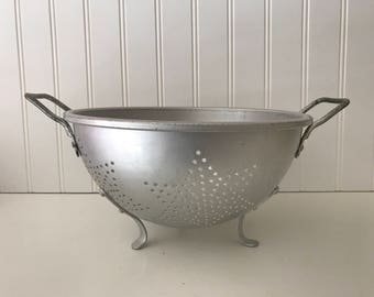 Vintage Mirro Aluminum Star Colander, Metal Handled Strainer Sieve, Farmhouse Kitchen Utensil, Rustic Country Kitchen Prop, Made in the USA