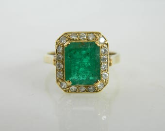 Stunning 14k Yellow Gold Emerald and Diamond Ring