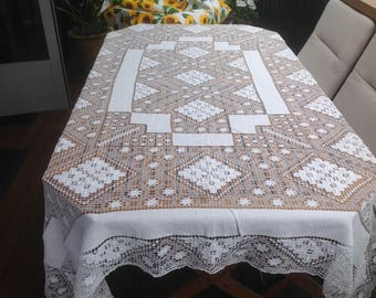 Vintage Rectangular Shabby Chic French Filet Lace Tablecloth . White 66 inches  x 80 inches.( 1.66 m x 2 m)  Used but Very Good Condition.