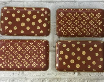 Vintage lacquer tray set rust ivory Japan