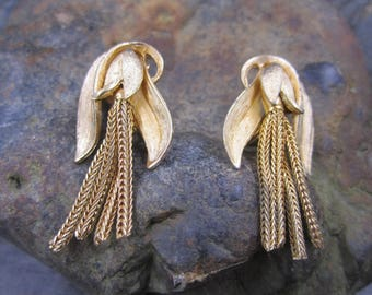 Elegant  Gold Tassel Clip On earrings