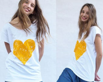 Woman T-shirt Yellow on White Love Heart Print boyfriend T-shirt Silkscreen Valentine's