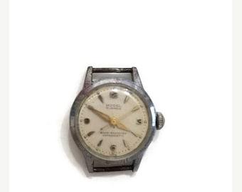SUMMER SALE Original vintage Swiss MODEL watch / no belt / 17 rubis / collectible