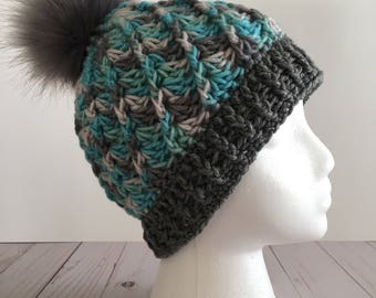 READY TO SHIP-Women's Spiral Beanie with Pom Pom