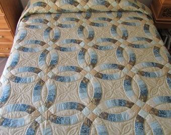 ON SALE: Amish Double Wedding Ring Quilt, Handmade Quilt, Teal and Beige Quilt, Queen Size Quilt, Patchwork Quilt, Country Quilt, Patchwork