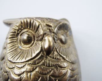 Vintage brass owl ornament figurine. Cute paperweight.