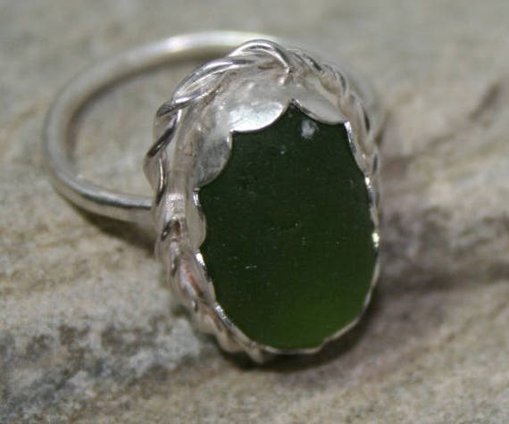 GREEN SEAGLASS RING - Set in Sterling silver   Dress ring
