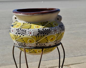 Flower pot on clay with Talavera