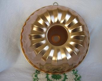 Vintage Jello Mold Bundt Crown