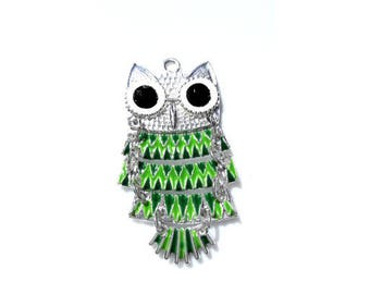 Green OWL pendant with 5cm black rhinestone eyes
