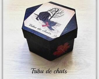 box hexagonal carton decorated silhouette cat stretching fall