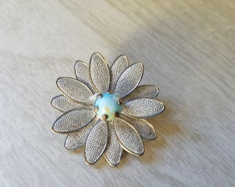 Vintage Daisy/Gerber/Pin/Brooch/Pendant Silver tone with Light Blue Center--Petals Move