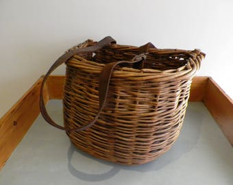 Vintage Wicker Fishing Creel Fishing Basket vintage basket vintage prop man cave fly fishing gamekeeper's creel